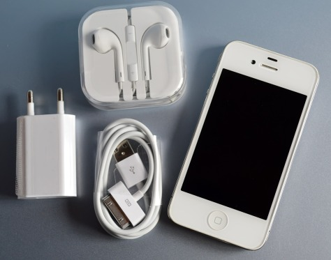 iphone-4-1249732_1280