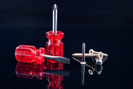 screwdrivers-1073515_1920